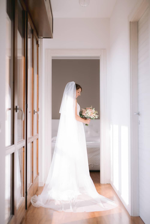preparativi abito matrimonio sposa